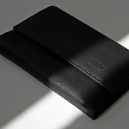 Geldbörse aus echtem Vollnarbenleder mit Kartenfach, Dokumentenfach und Geldbörse, Farbe schwarz