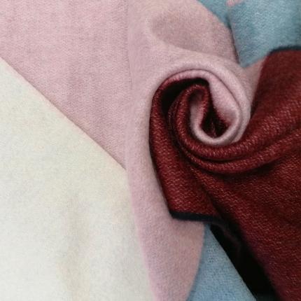 Long scarf in multicolor cashmere, palette du Printemps