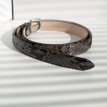 Cintura in pelle di pitone H25 con fibbia satinata, marrone