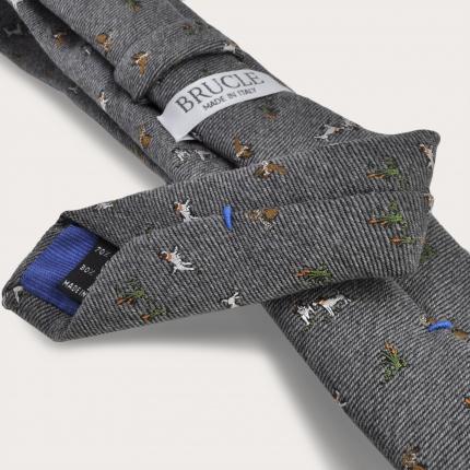 Cravate en soie et laine, grise avec des chiens et des faucons brodés