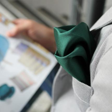 Pochette uomo verde in seta