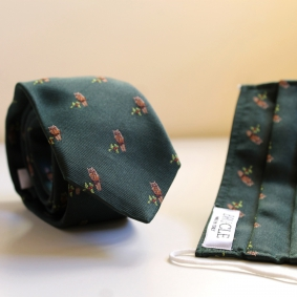 Cravate et masque filtrant en soie